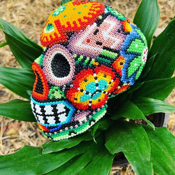 Huichol Beaded Small Skull Home Decor (SC)
